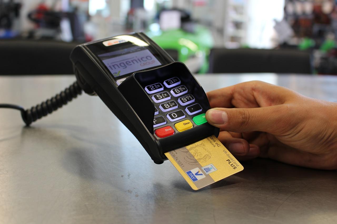 ファミマTカード(クレジット機能付き)~お得なTポイント獲得・ファミマ割引を活用しよう!~